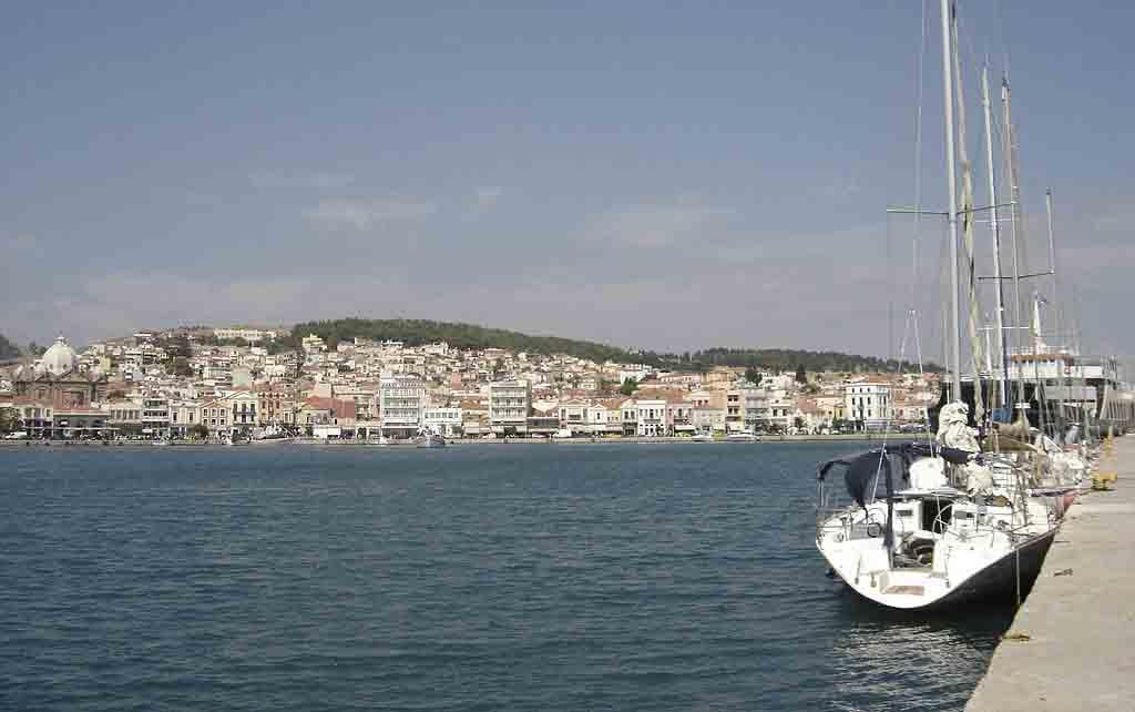 1024px-Mytilene_harbour